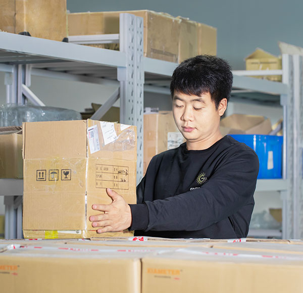fast delivery employee packing goods